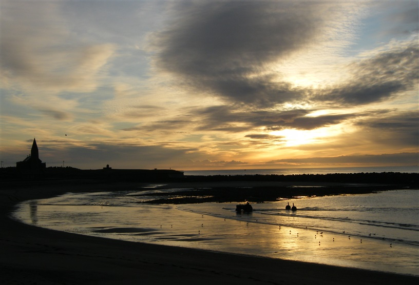 Newbiggin-by-the-sea at dawn
