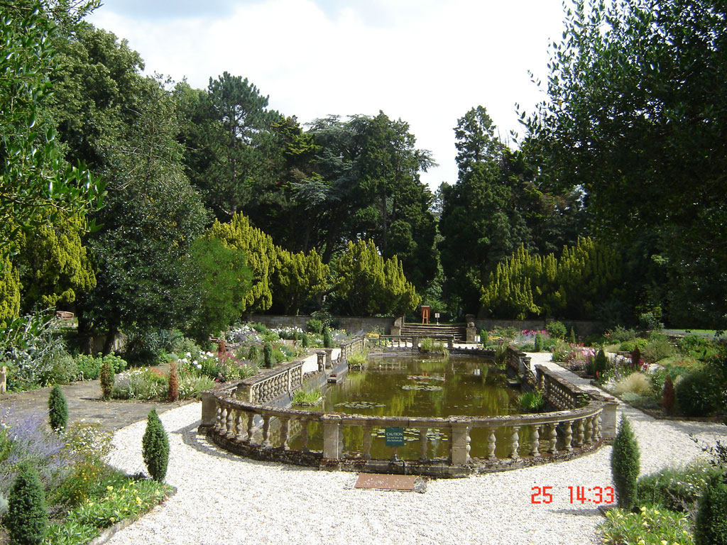 Easton Lodge July 2014 Italian Garden