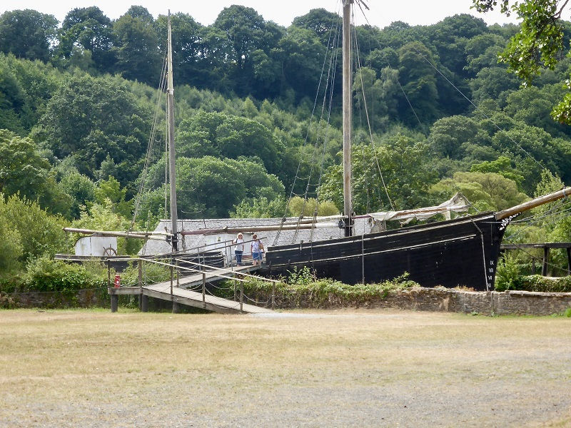 Sailing barge on the Tamar