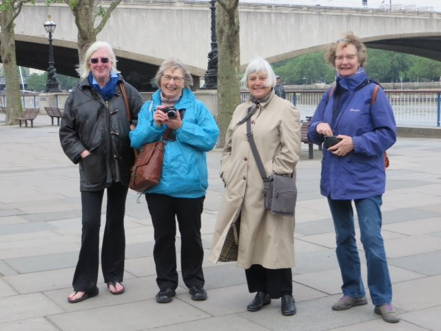The Photography Group by The Thames