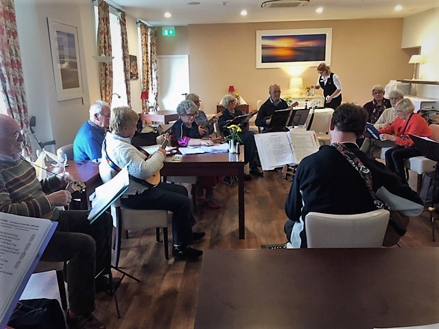 Ukulele Group at Les Cotils