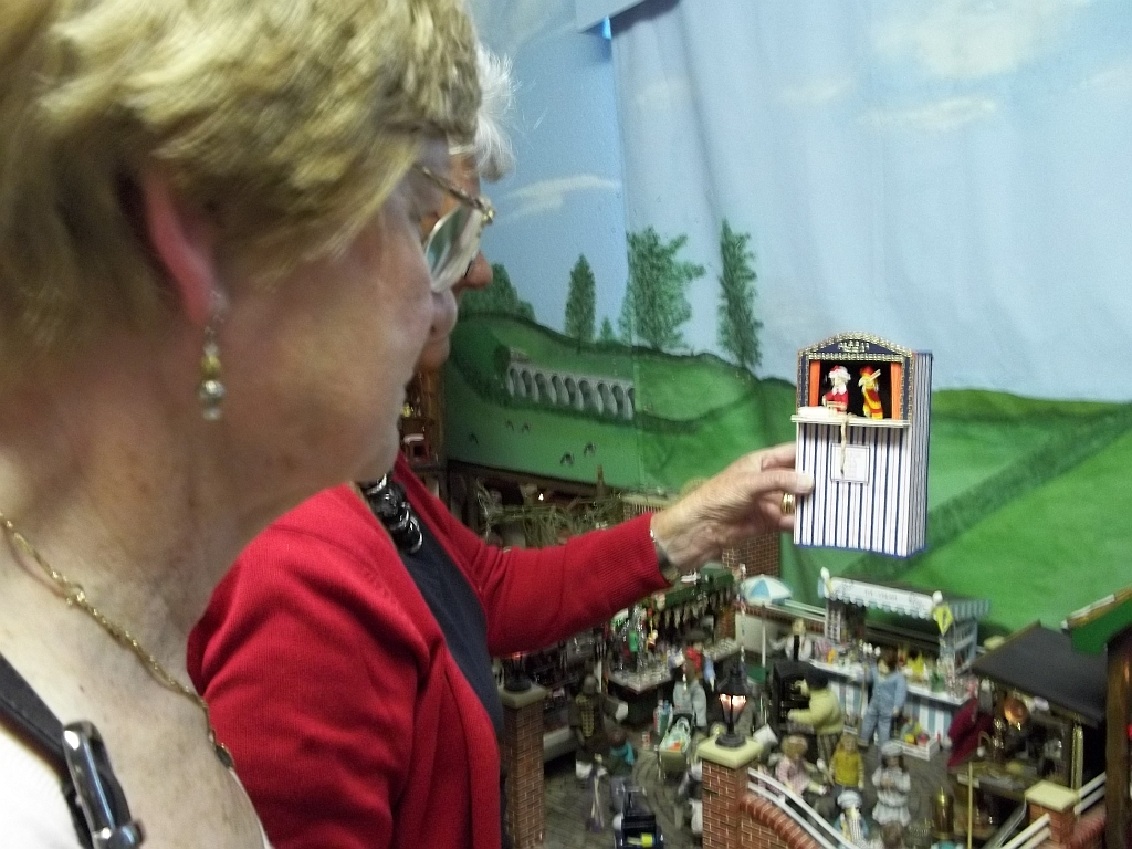 Miniature Punch and Judy