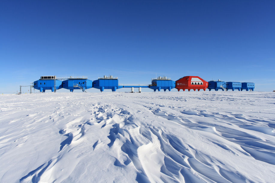 Halley Research Station (Mar 2021)