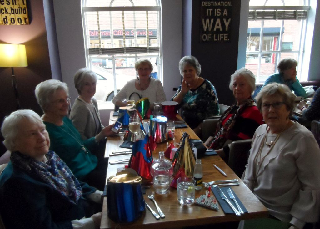 Social Lunch XMAS LUNCH 2017 1