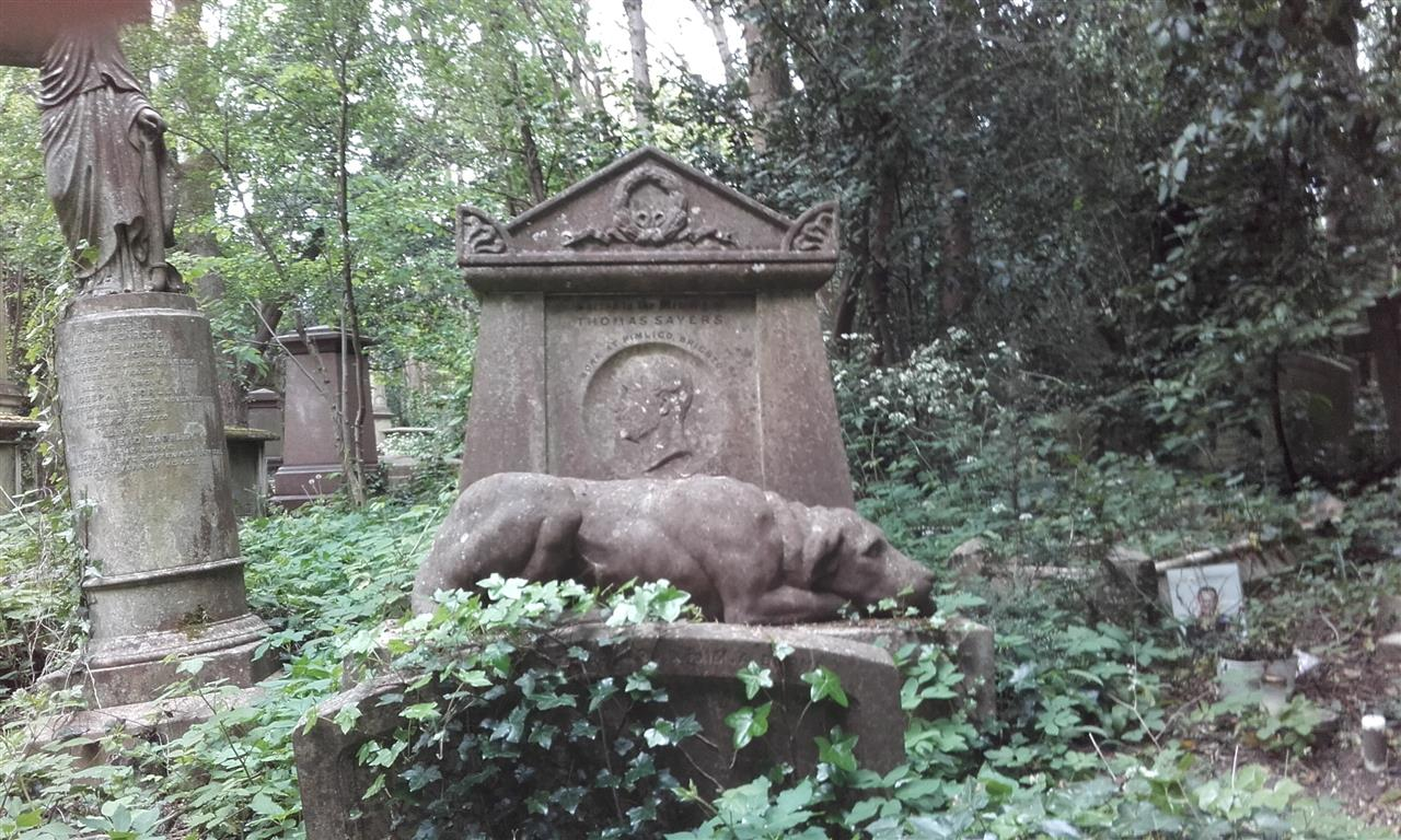 One of the incredible tombs