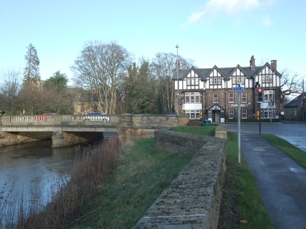 River Pont and Diamond Inn