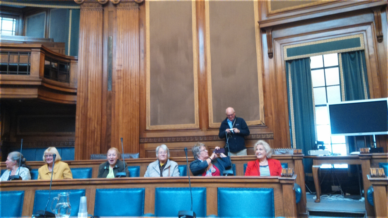 Visit council to Notts. council chambers