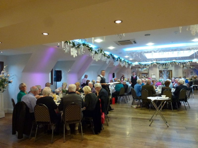 Guests enjoy lunch at the Rayleigh Club