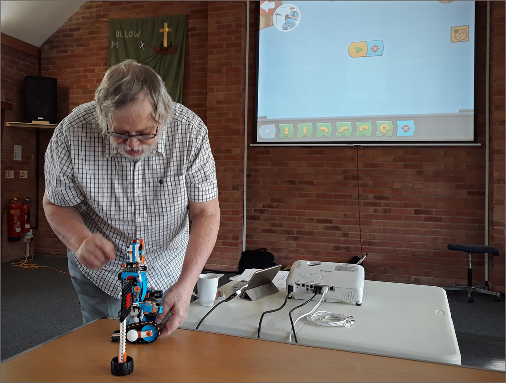 John intros a wireless robot