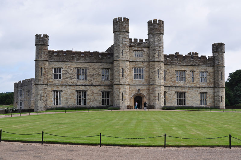 The Front of Leeds castle