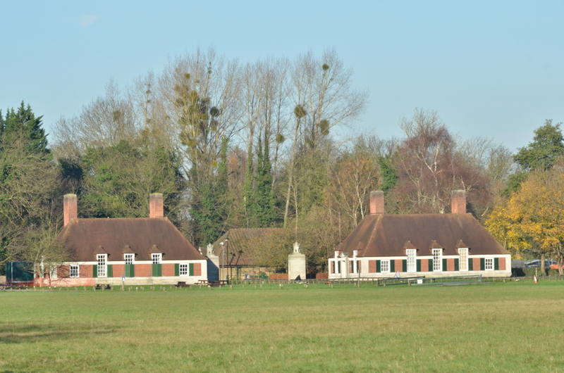 Lutyens designed memorial lodge