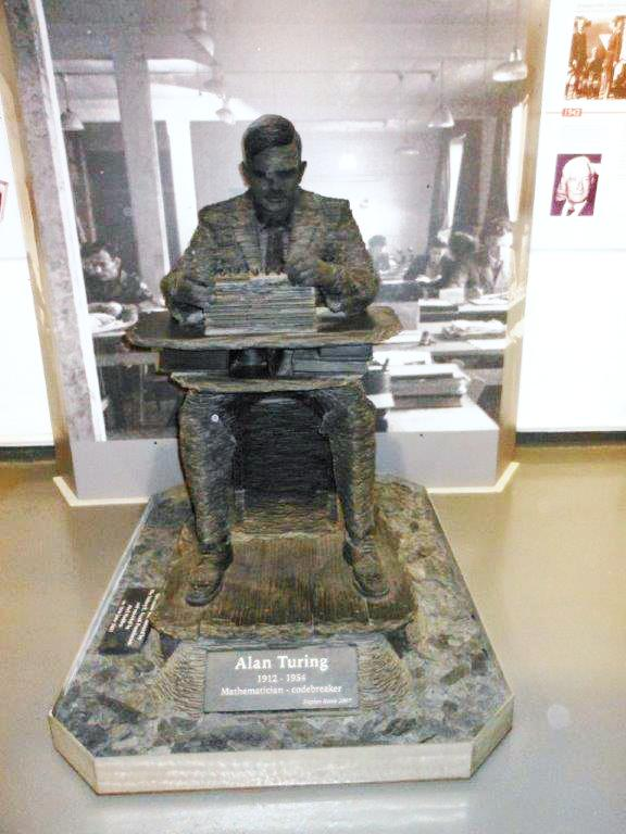 Statue of Alan Turing - Bletchley 2015