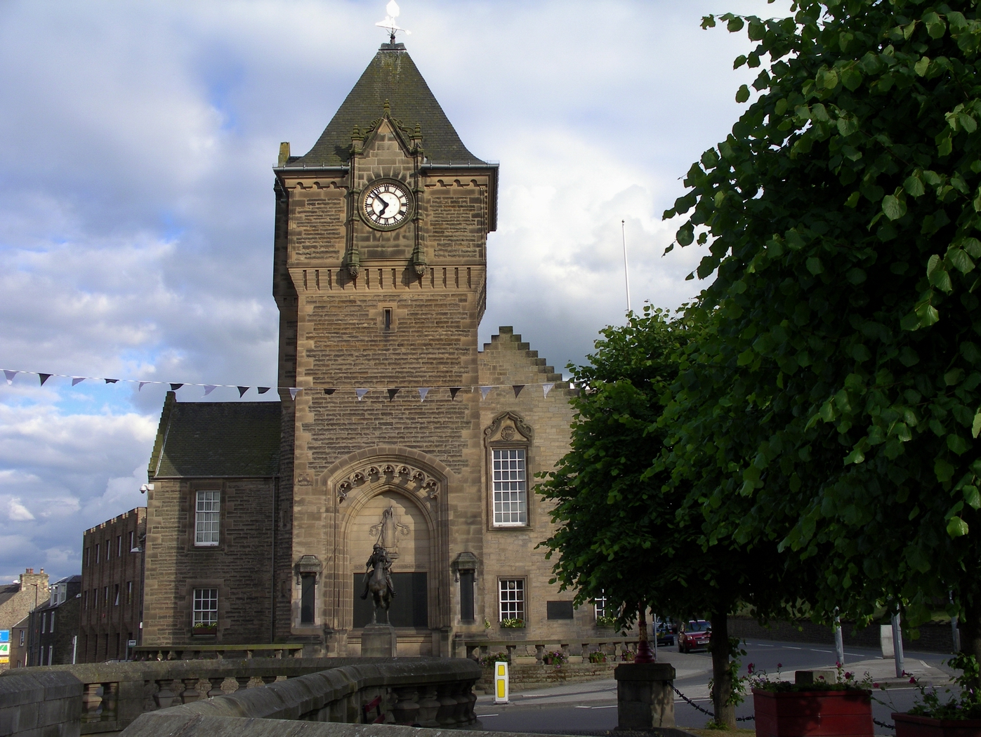 Galashiels War Memorial & Burgh Chambers