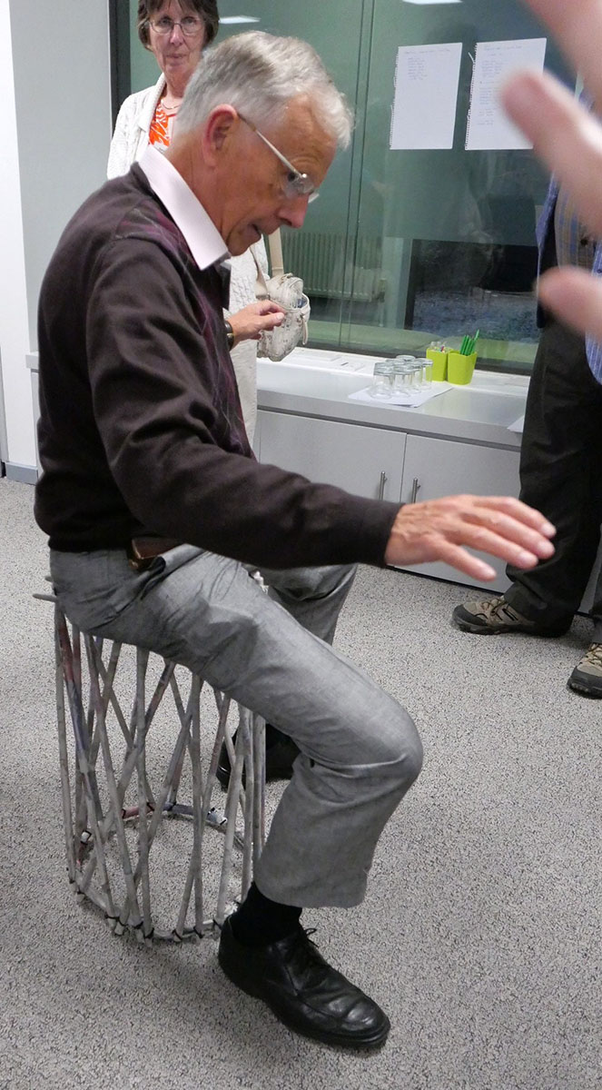 Making a chair from Newspaper - 3