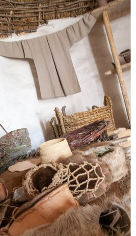 Artifacts in stoneage dwelling