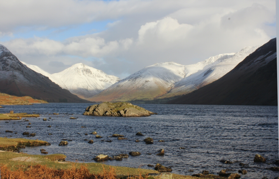 Snowy tops Wastwater